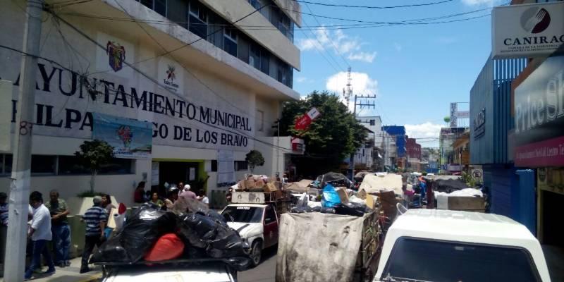 Piden ciudadanos a Leyva Mena actuar ante problema de basura