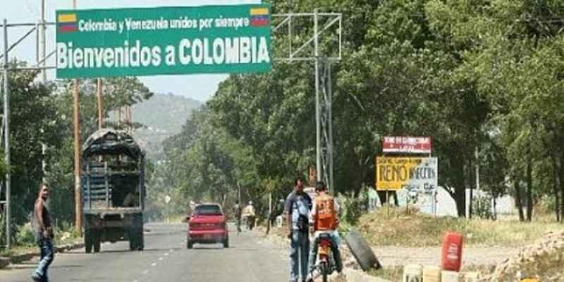 Hallan fosa con restos humanos en Bogotá, Colombia