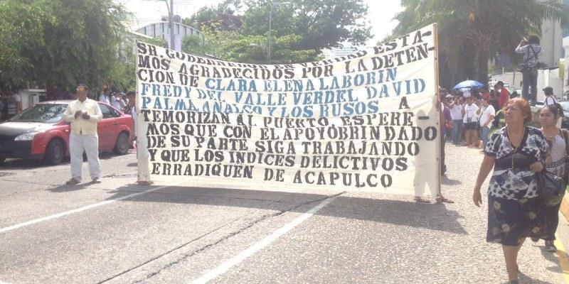 """Con marcha, grupo rival agradece al gobernador por detención de """"La Señora"""""""