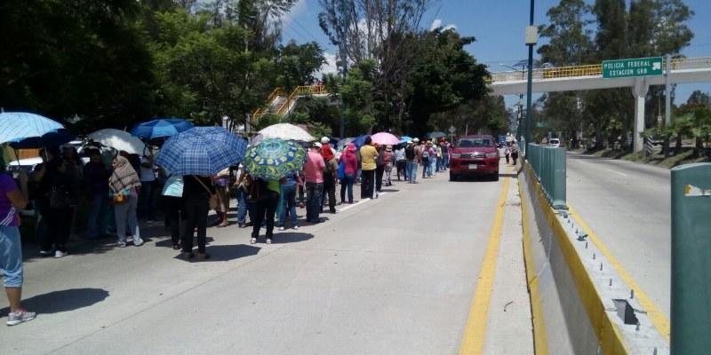 Protestan maestros de Guerrero contra reforma educativa