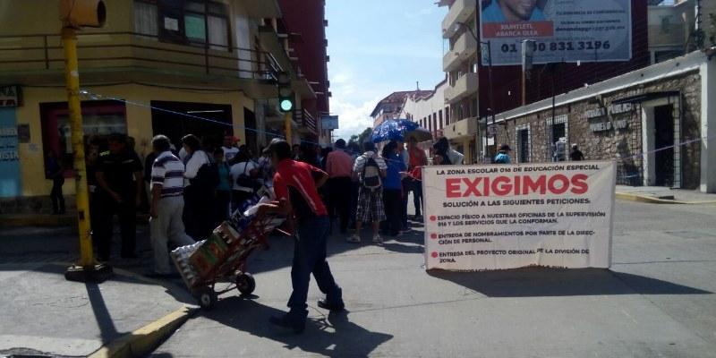 Sin documentación oficial 160 maestros de Chilpancingo