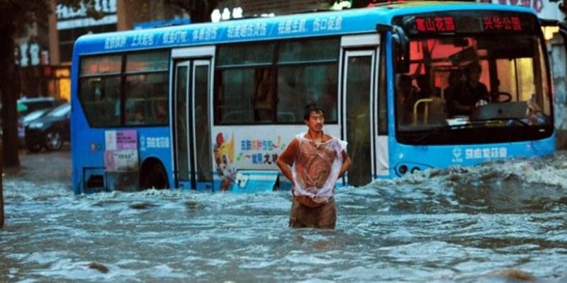 Suman 133 muertos y 395 desaparecidos por lluvias en Corea