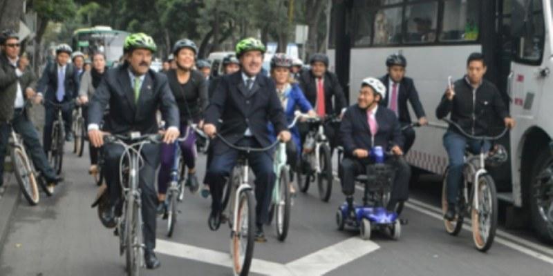 Pedalean diputados en el Día Mundial Sin Automóvil