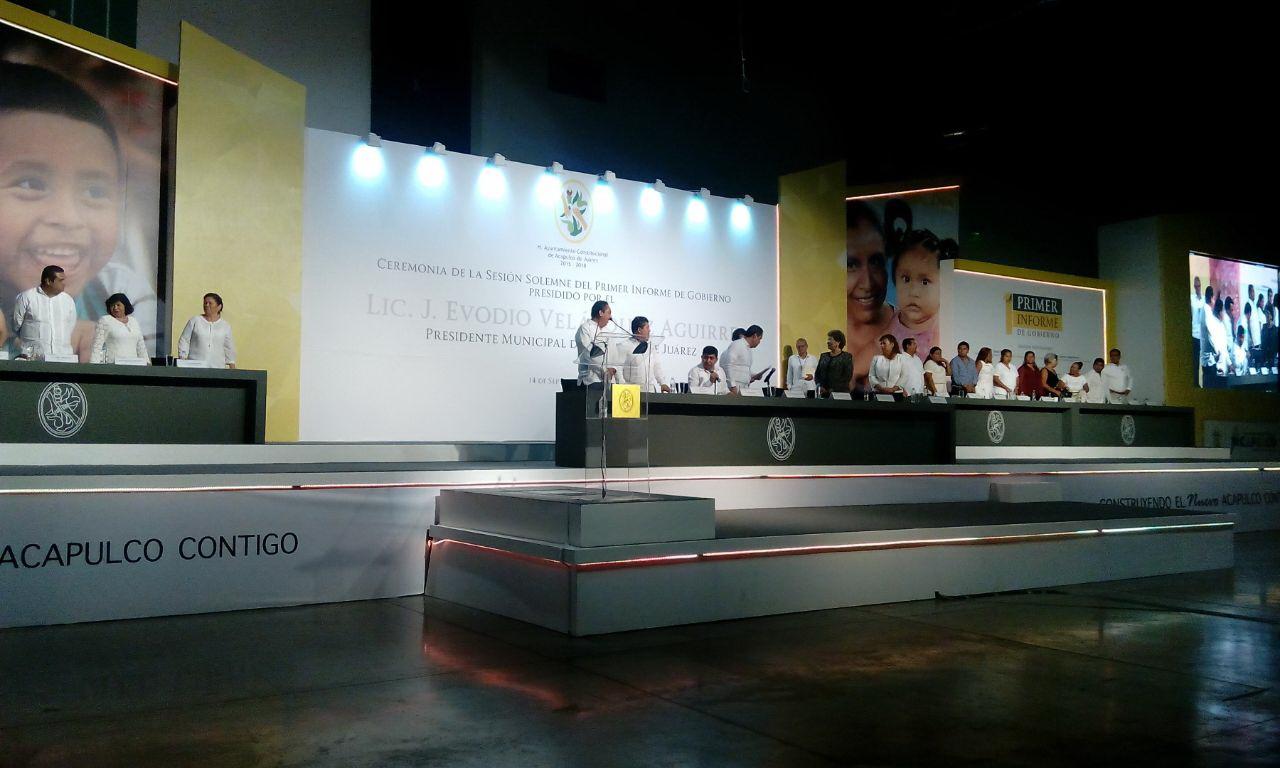 Diálogo, pidieron regidores en primer Informe de Acapulco