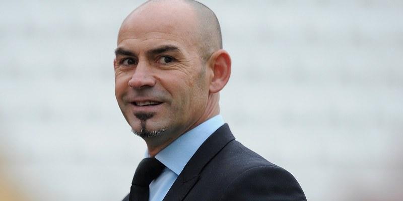 Equipo de futbol Granada destituye a entrenador Paco Jémez