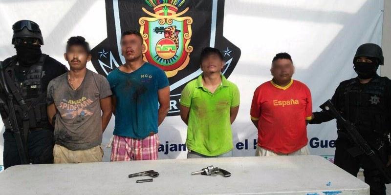 Detienen a cuatro en Marquelia por portación de arma