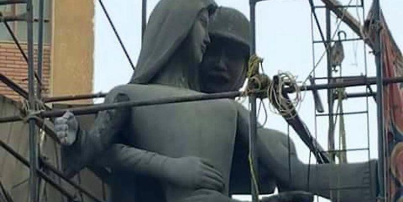 """Estatua del soldado """"acosador sexual"""" genera debate en Egipto"""