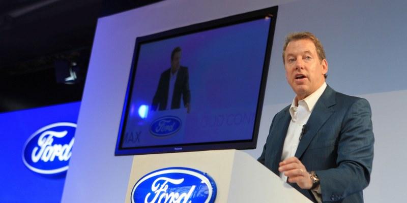 Trump debería celebrar y no criticar inversión de Ford en México