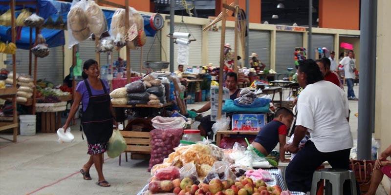 Trasladan desorden a nuevo mercado de Coyuca de Benítez