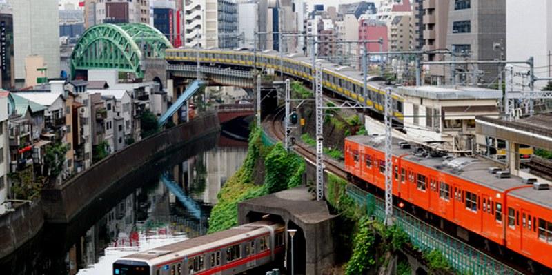 Alerta en metro de Tokio por supuesto ataque químico