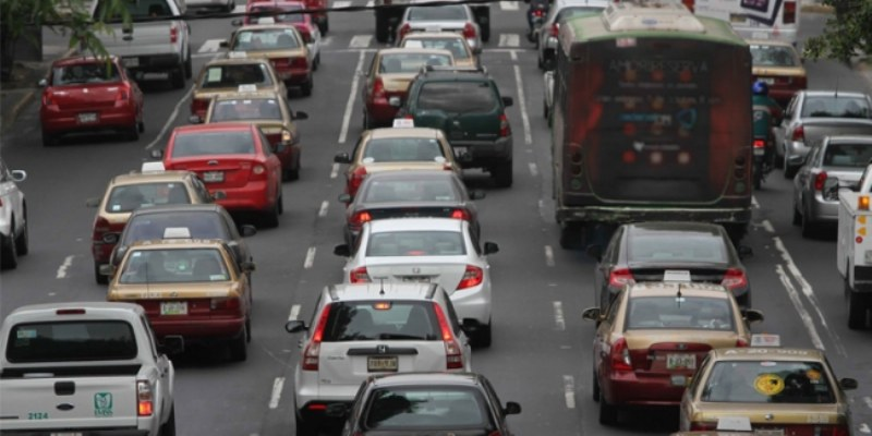 Protesta de policías federales afecta el tráfico vehicular en la CDMX