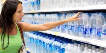 Consumo de agua embotellada tiene un fuerte efecto nocivo para el ciclo de la vida 10