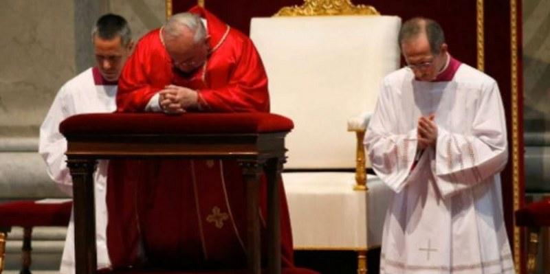 Papa celebra el Viernes Santo en el Vaticano