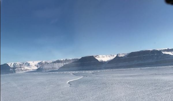 Descubren grieta en el glaciar más grande de Groenlandia 1