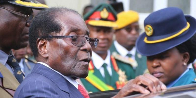 Mugabe recibe inmunidad, garantía de seguridad en Zimbabue