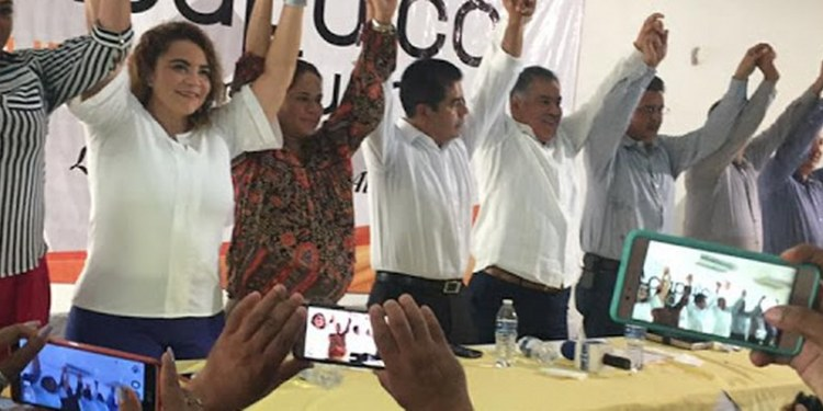 Víctor Aguirre inventa acto desesperado de apoyo; lo dejan fuera 1