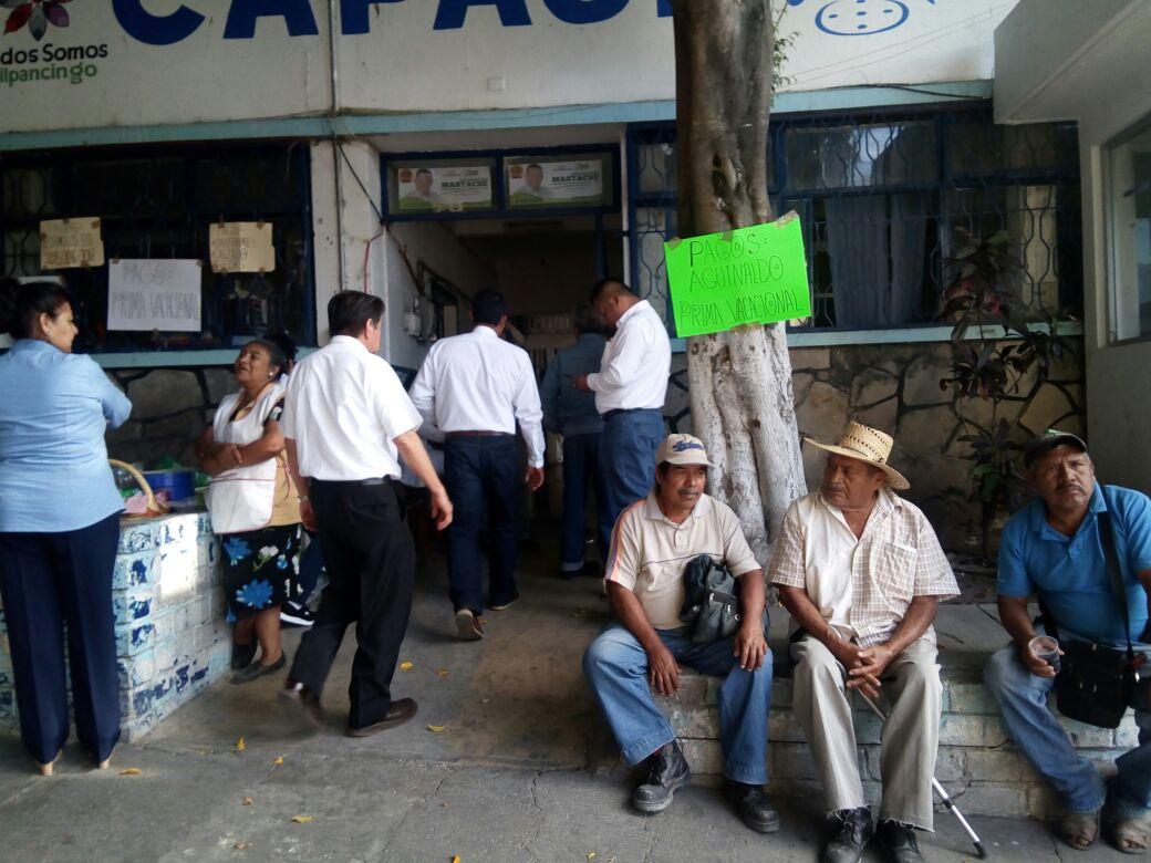 Protestan trabajadores de Capach