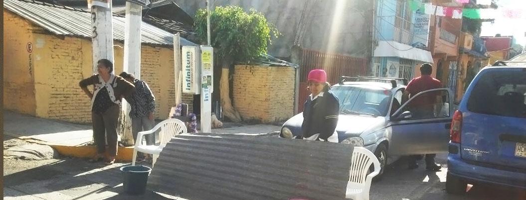 Bloquean vecinos calles en Chilpancingo; van 3 meses sin agua