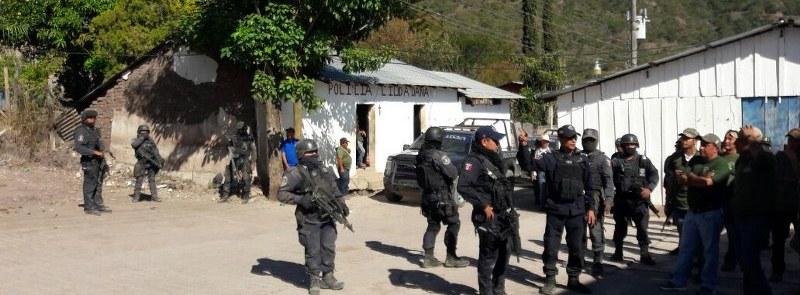Comunitarios de la sierra, quienes tomaron comandancia en Xaltianguis