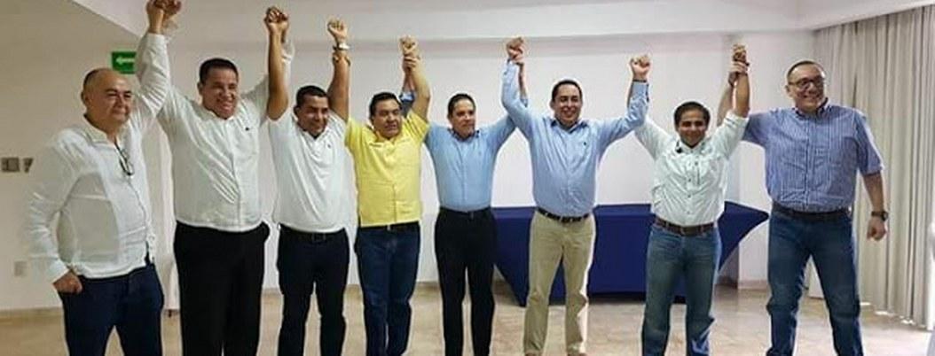 Víctor Aguirre inventa acto desesperado de apoyo; lo dejan fuera 3
