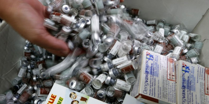 Filipinas suspende la venta de vacuna contra el dengue