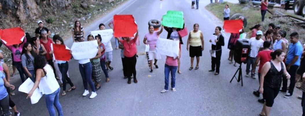Bloquean la México-Acapulco por abusos de la UPOEG; piden a la Marina 2