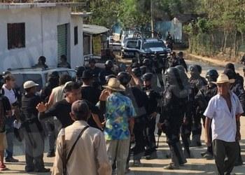 Con imputaciones falsas, vinculan a proceso a detenidos de Cacahuatepec 8