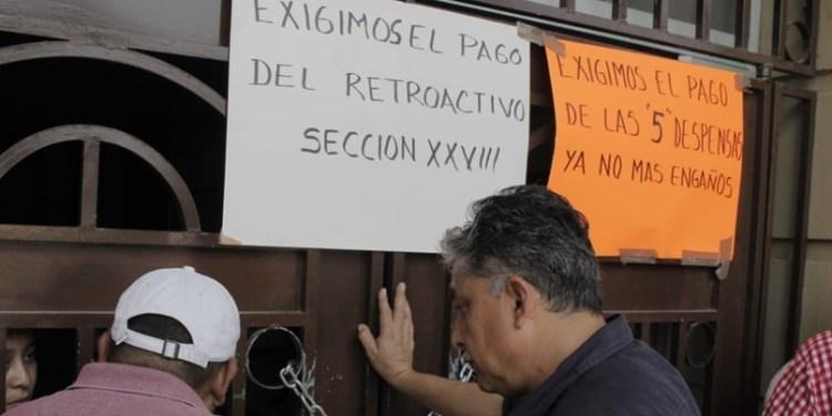 Sindicalizados del gobierno estatal toman ayuntamiento de Chilpancingo 1