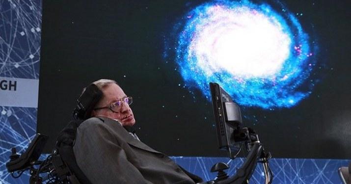 La voz de Stephen Hawking viaja al espacio durante su funeral 1