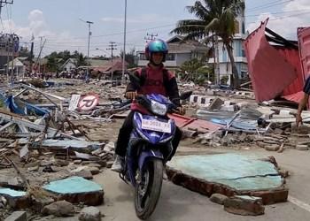 Terremoto y tsunami dejan casi 400 muertos en Indonesia 2