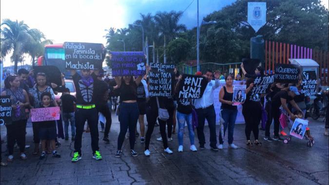 Marcha contra feminicidios en Guerrero exige cabeza de fiscal 1