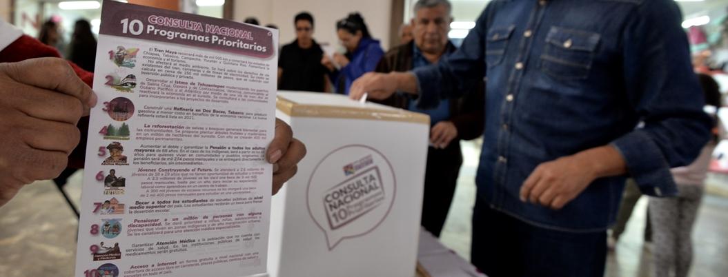 Ciudadanos apoyan plan de gobierno de AMLO en consulta