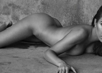 La mayor de las Kardashian posó desnuda para revista mexicana 1