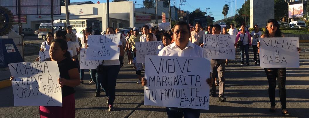 Marchan en Chilpancingo para exigir la aparición con vida de Margarita