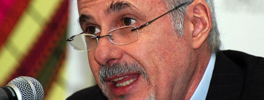 Delegados atentan contra federalismo: el panista director de la FIL