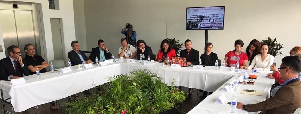 Unesco busca desarrollo sustentable en comunidades derrumbadas por sismos