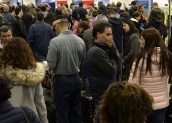 Argentina: quedan varados 10 mil pasajeros por paro en aeropuerto 1