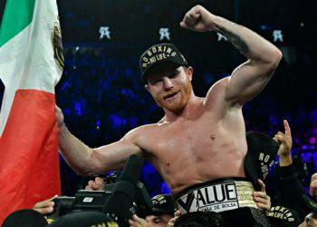 Canelo es campeón de la AMB en sólo tres rounds 8
