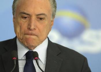 Expresidente de Brasil se entrega a la policía en Sao Paulo 1