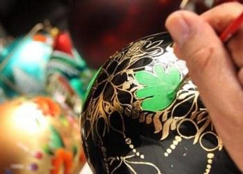 Artesanos de Chignahuapan adornan la Navidad con esferas de vidrio 6