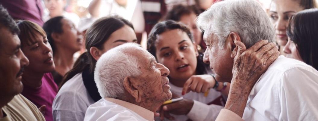 México adora a AMLO; su popularidad está en las nubes: encuestadores