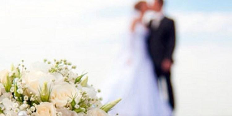 Aparece vestida de novia en la boda de su amante 1