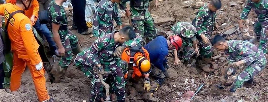 Mueren 59 a causa de inundaciones en Indonesia; hay 25 desaparecidos