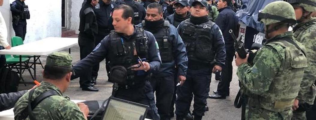 Militares revisan armas de policías de Cuernavaca, Yautepec y Jiutepec