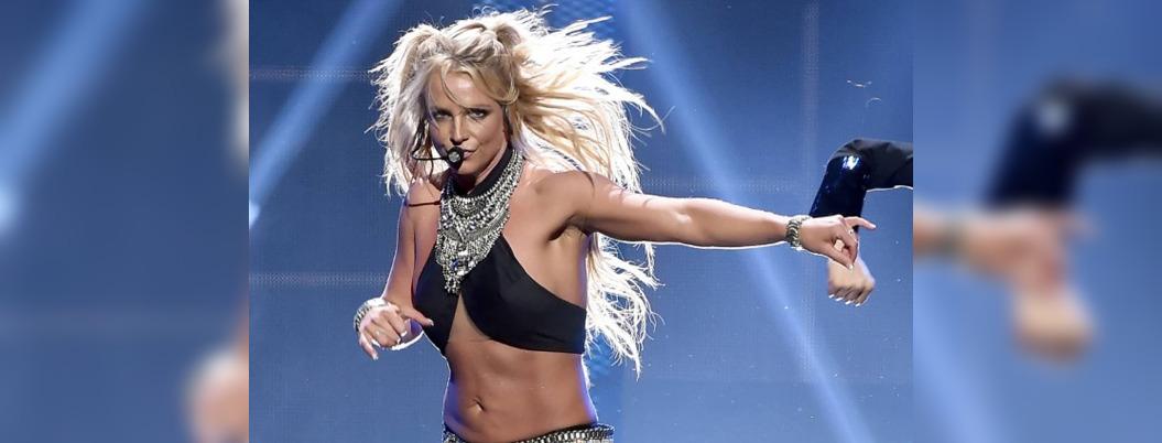 Anuncia Britney Spears retiro a causa de su padre