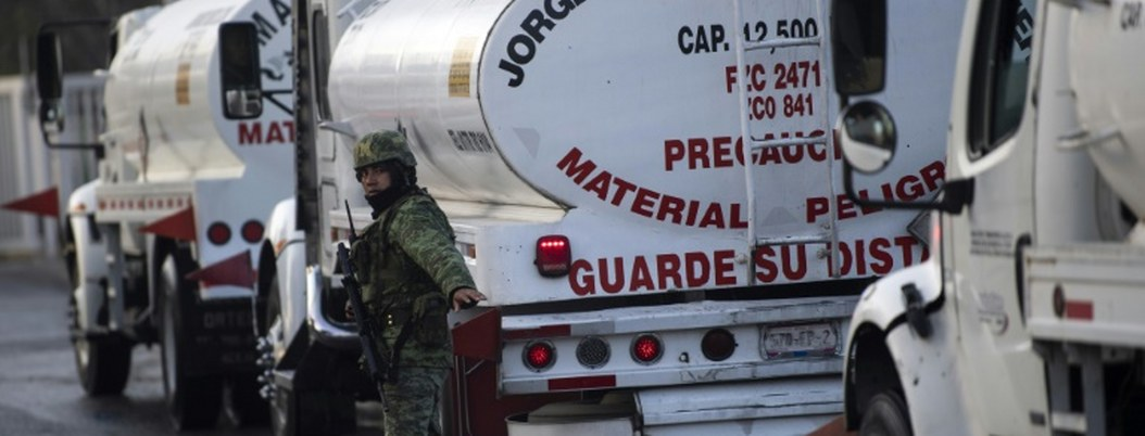 Canacar ya apoya distribución de gasolina con 3 mil 500 pipas