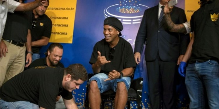 """Ronaldinho deja su huella en """"salón de la fama"""" del Maracaná 1"""
