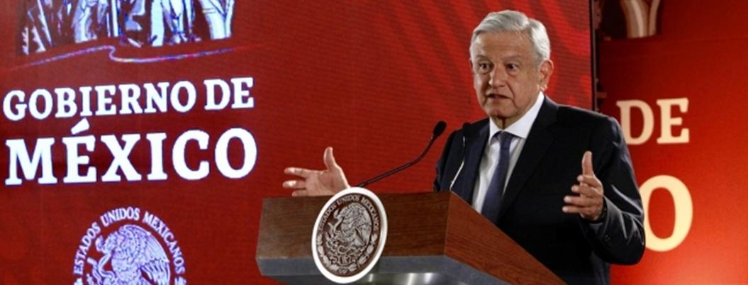 Dinero ahorrado por combate a huachicol y corrupción paga becas: AMLO