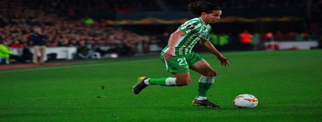 Diego Lainez en el 11 ideal de la semana en la Europa League