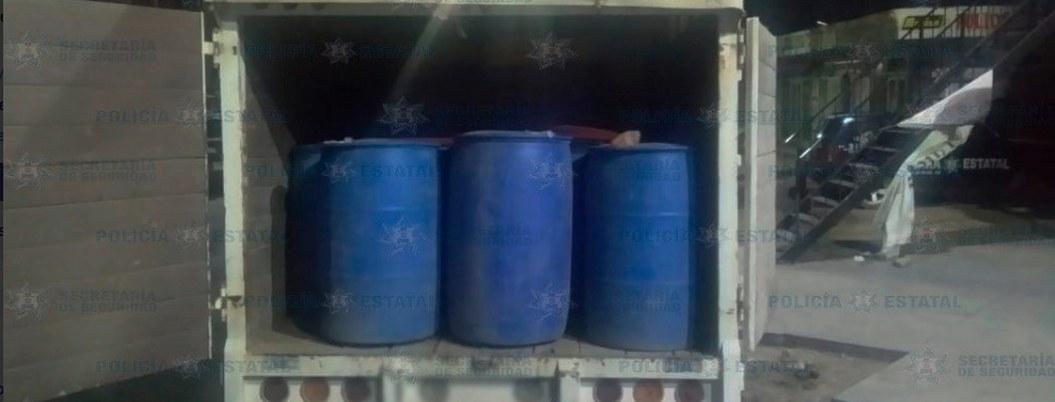 Cae huachicolero con mil 800 litros de gasolina robada en Otumba
